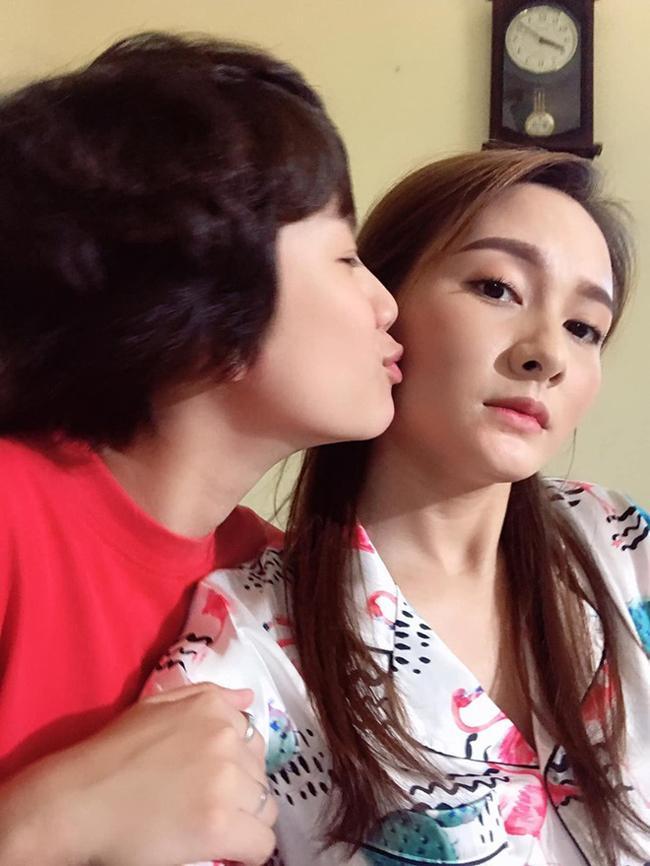 3 người đẹp sexy có nụ hôn bạo liệt gây xôn xao giờ vàng phim Việt-15