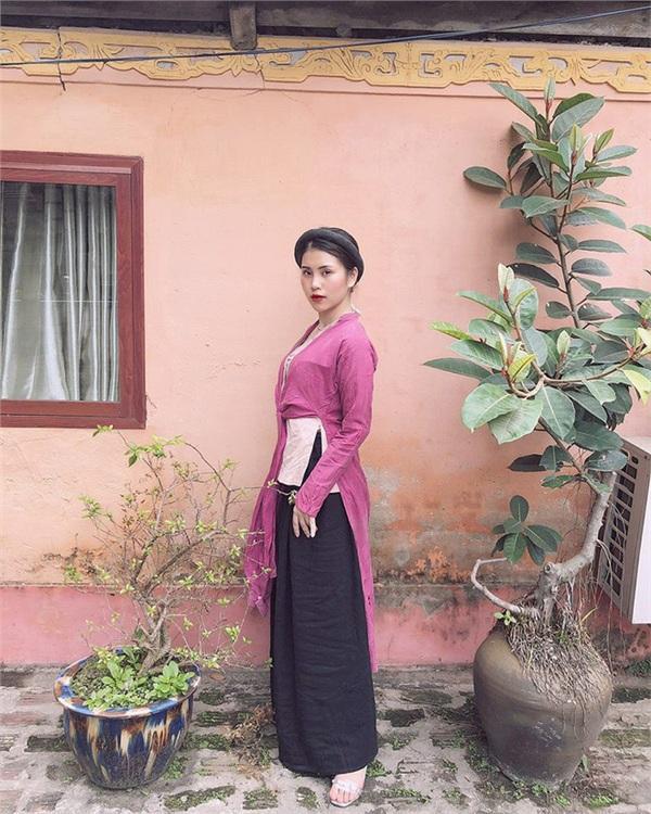Nữ diễn viên khiến dân tình sôi sục với concept trần truồng bên hồ sen tiết lộ sốc: Đó chỉ là ảnh hậu trường-3