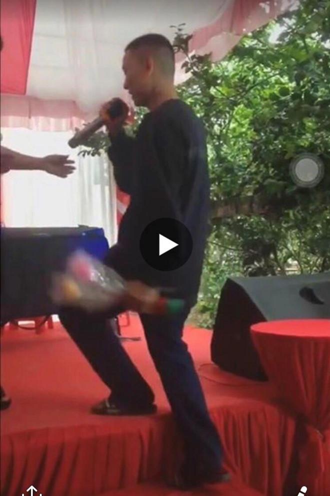 Hoài Lâm mặc xuề xòa, ngoại hình thay đổi khiến khán giả không nhận ra-2