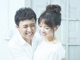 BỆNH NGHỀ NGHIỆP quá nặng: Trấn Thành ngủ say vẫn lẩm bẩm dẫn chương trình khiến Hari Won bật dậy lúc nửa đêm