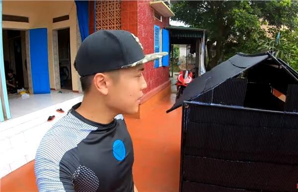 Bị chỉ trích hủy hoại môi trường khi dùng 5.000 ống hút làm nhà, Youtuber NTN đăng clip phản pháo cùng loạt phát ngôn gây sốc-1
