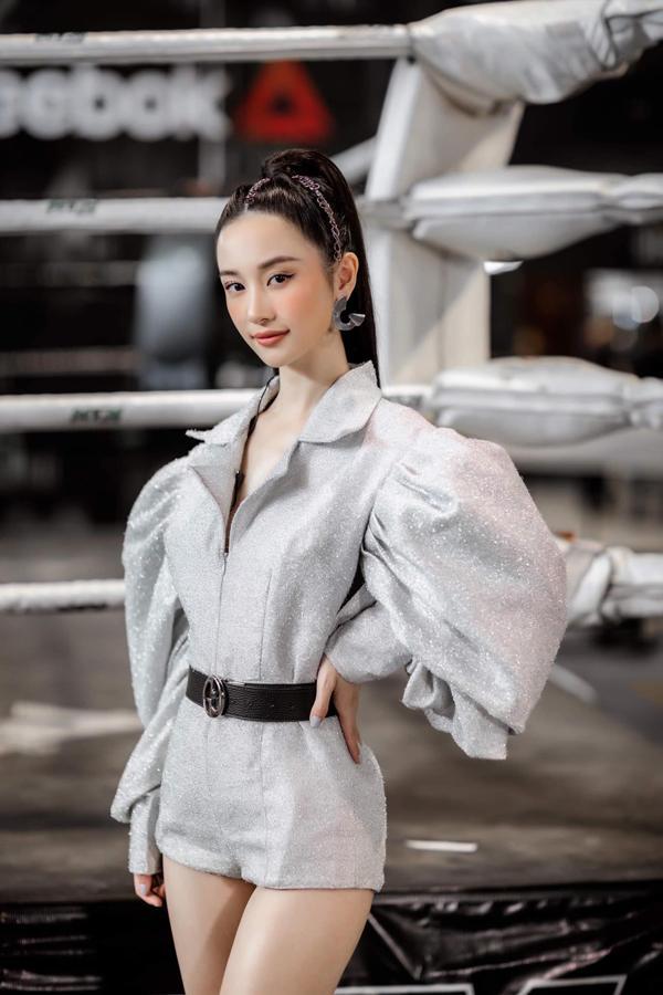 SAO MẶC XẤU: Phượng Chanel dát hàng hiệu mà bị ví như bà nội trợ - Yaya Trương Nhi sến sẩm lộ bụng mỡ-7
