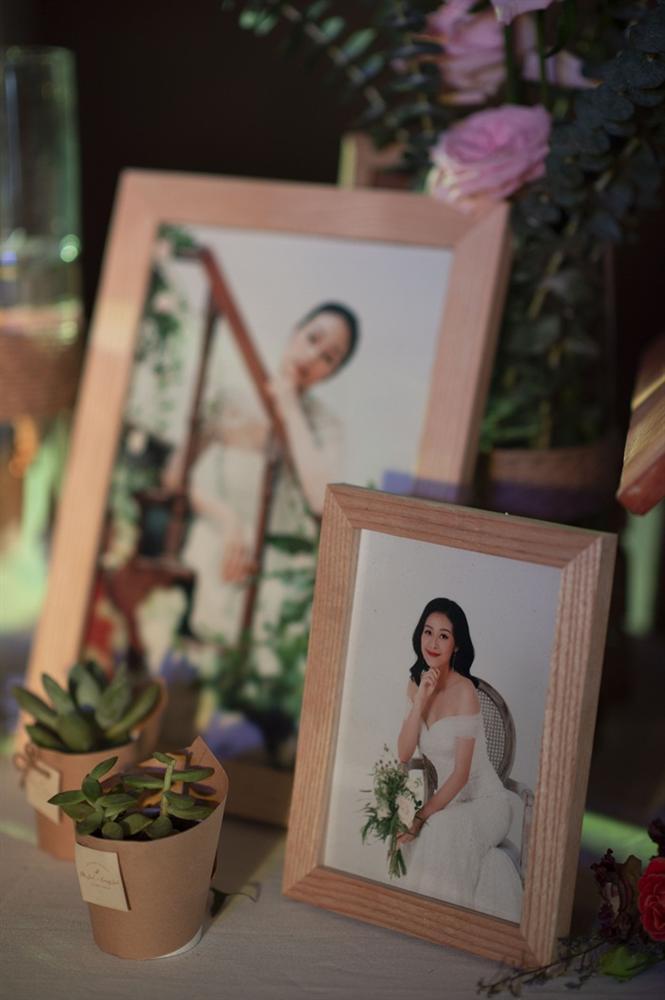 Chú rể quyền lực ở VTV tình tứ trao nhẫn, tiết lộ giấc mơ đặc biệt khiến anh phải cưới Phí Linh làm bạn đời-25