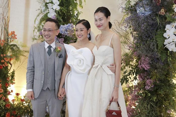 Chú rể quyền lực ở VTV tình tứ trao nhẫn, tiết lộ giấc mơ đặc biệt khiến anh phải cưới Phí Linh làm bạn đời-5