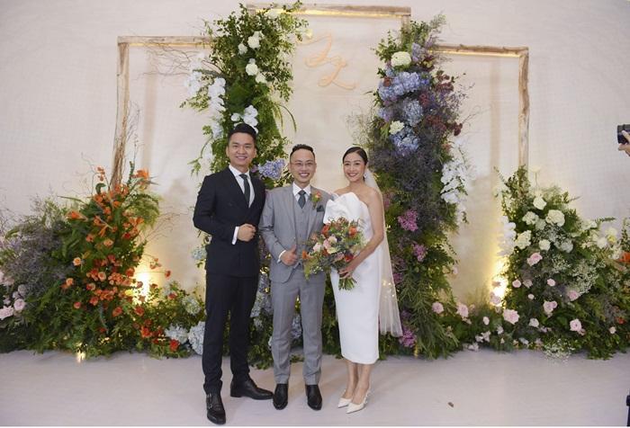 Chú rể quyền lực ở VTV tình tứ trao nhẫn, tiết lộ giấc mơ đặc biệt khiến anh phải cưới Phí Linh làm bạn đời-7