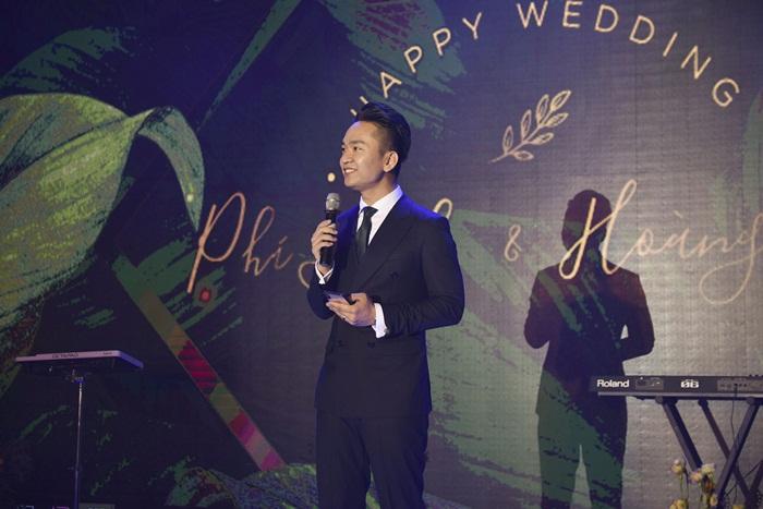Chú rể quyền lực ở VTV tình tứ trao nhẫn, tiết lộ giấc mơ đặc biệt khiến anh phải cưới Phí Linh làm bạn đời-8