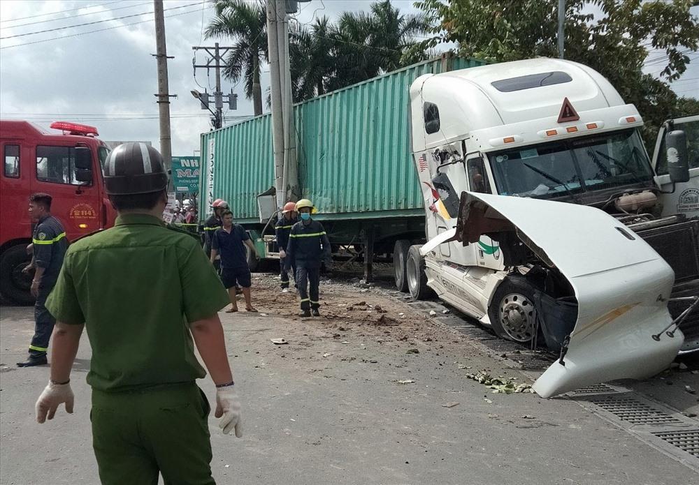 Tạm giữ tài xế container lấn làn tông ôtô khiến 5 người tử vong-1