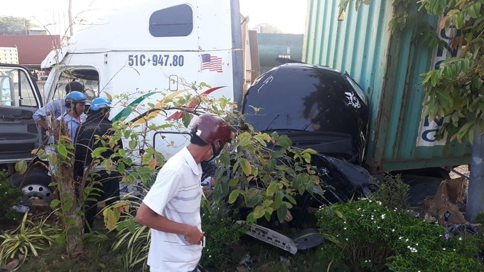 Tạm giữ tài xế container lấn làn tông ôtô khiến 5 người tử vong-2