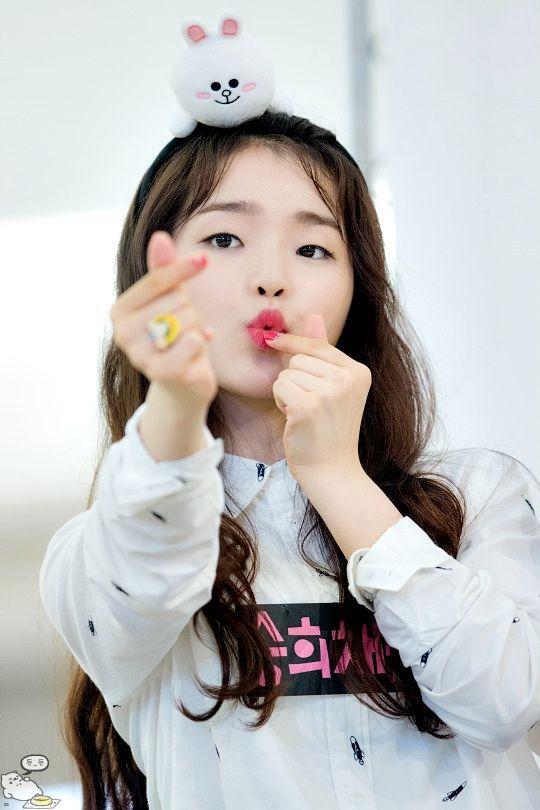 Tính cách thật thời học sinh của V và Jimin (BTS) qua lời kể của một nữ idol đang là chủ đề gây sốt mạng xã hội Hàn Quốc-5