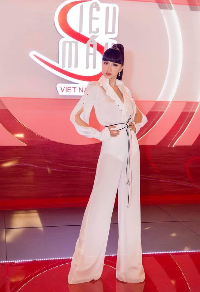 Phản ứng cực nhanh mỗi lần bị chê kém nghề, Hương Giang được mệnh danh mỹ nhân đuổi scandal giỏi nhất showbiz Việt-3