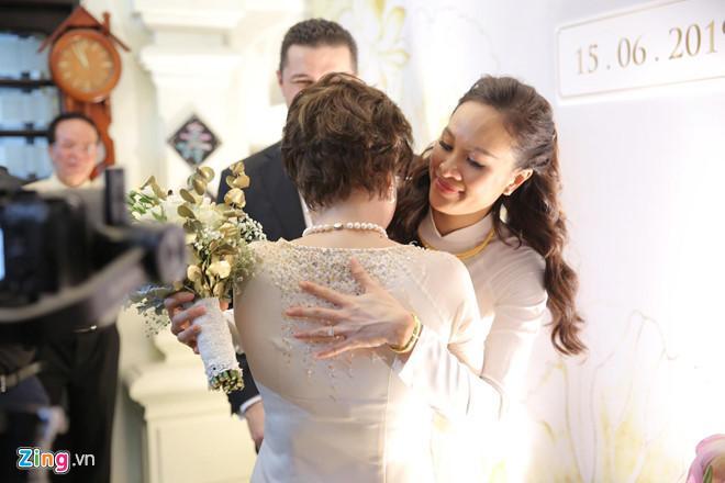 Người mẫu Phương Mai bật khóc trong lễ rước dâu-7