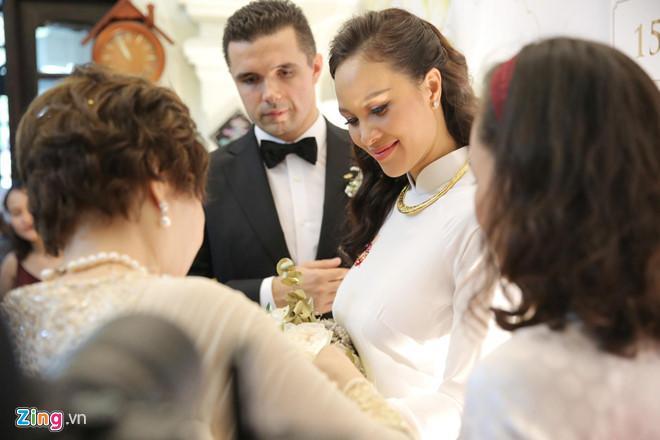 Người mẫu Phương Mai bật khóc trong lễ rước dâu-8