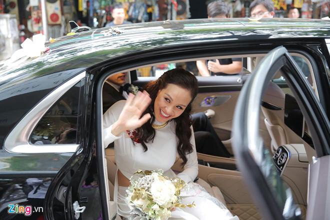 Người mẫu Phương Mai bật khóc trong lễ rước dâu-9