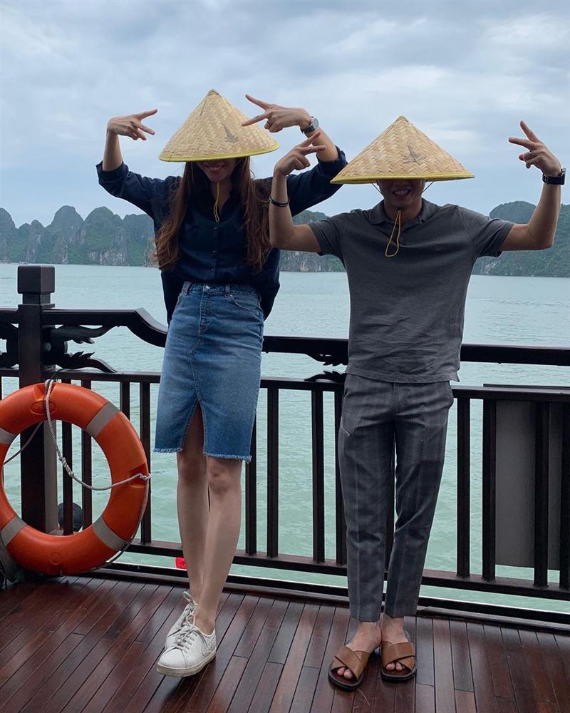 Chẳng kém Hà Hồ - Kim Lý, Đàm Thu Trang - Cường Đô La cũng tích cực diện đồ đôi, tinh tế chọn phụ kiện để không quá chênh lệch chiều cao-2
