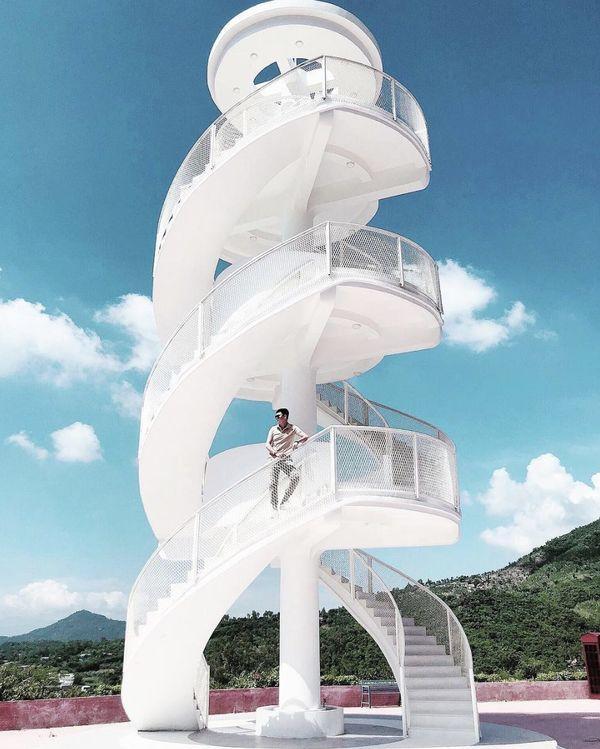 Nha Trang xuất hiện cầu thang xoắn trắng muốt, hứa hẹn trở thành bậc thang lên thiên đường sống ảo của giới trẻ-3