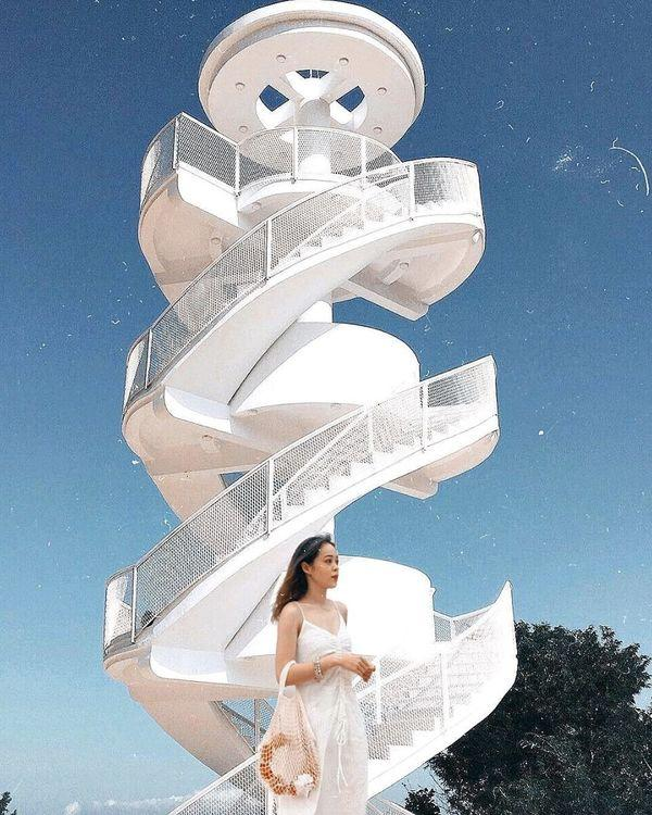 Nha Trang xuất hiện cầu thang xoắn trắng muốt, hứa hẹn trở thành bậc thang lên thiên đường sống ảo của giới trẻ-4