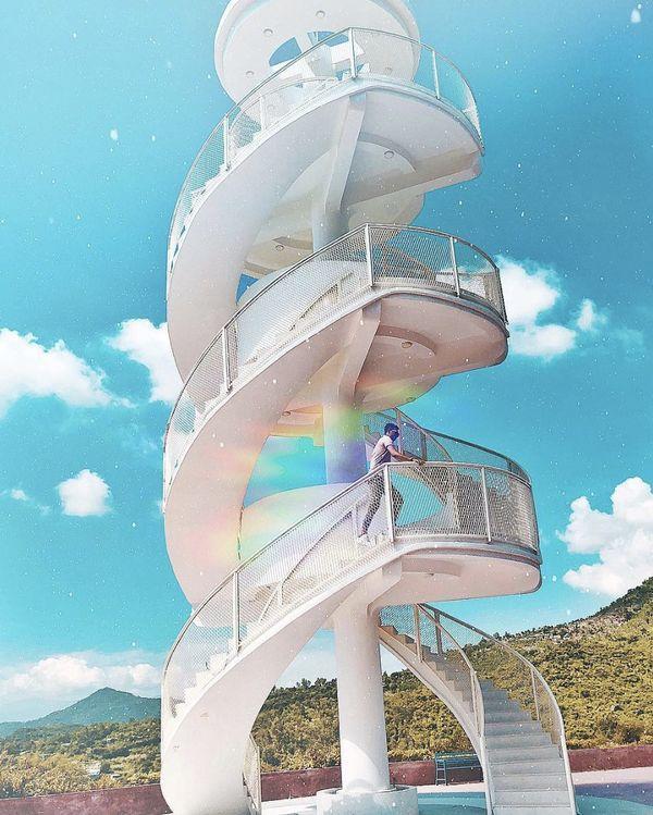 Nha Trang xuất hiện cầu thang xoắn trắng muốt, hứa hẹn trở thành bậc thang lên thiên đường sống ảo của giới trẻ-5
