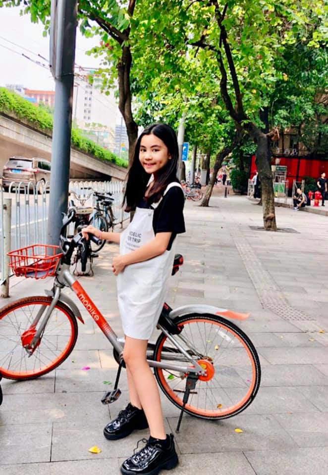 Cao như Hoa hậu, hai con gái của Quyền Linh còn có gout ăn mặc đồng điệu-5