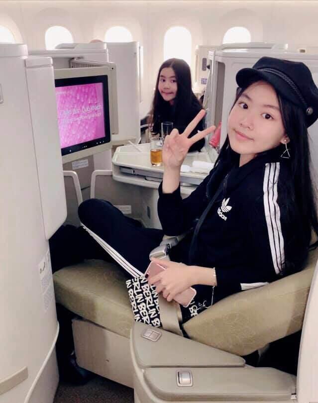 Cao như Hoa hậu, hai con gái của Quyền Linh còn có gout ăn mặc đồng điệu-16