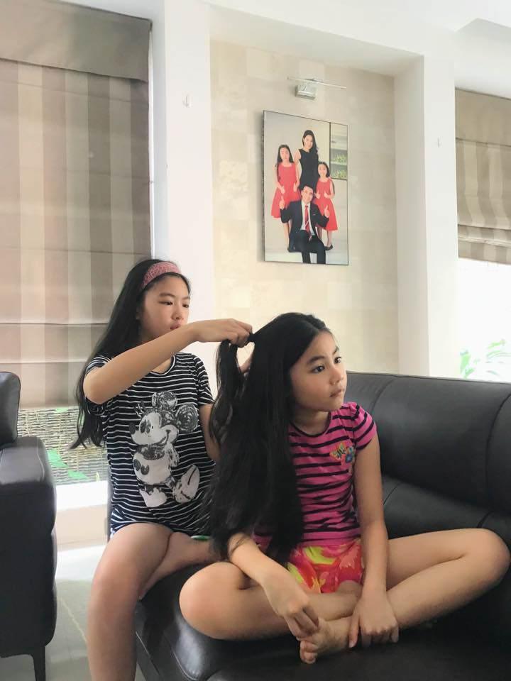 Cao như Hoa hậu, hai con gái của Quyền Linh còn có gout ăn mặc đồng điệu-17