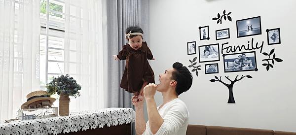 Giật thót tim xem Quốc Nghiệp dùng một tay nâng con gái 6 tháng tuổi đứng giữa không trung-3