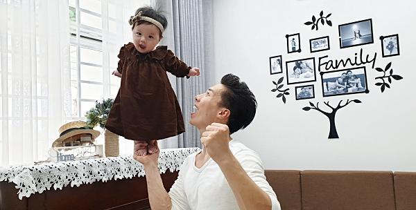 Giật thót tim xem Quốc Nghiệp dùng một tay nâng con gái 6 tháng tuổi đứng giữa không trung-4