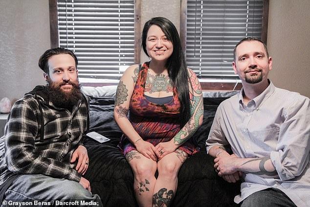 Lạ kỳ: Yêu cả 2 người đàn ông, cô vợ được chồng chấp nhận cho nhân tình đến ở cùng-3