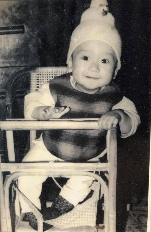 Lý do dở khóc dở cười khiến ngày bé Duy Mạnh toàn phải mặc đồ con gái-4