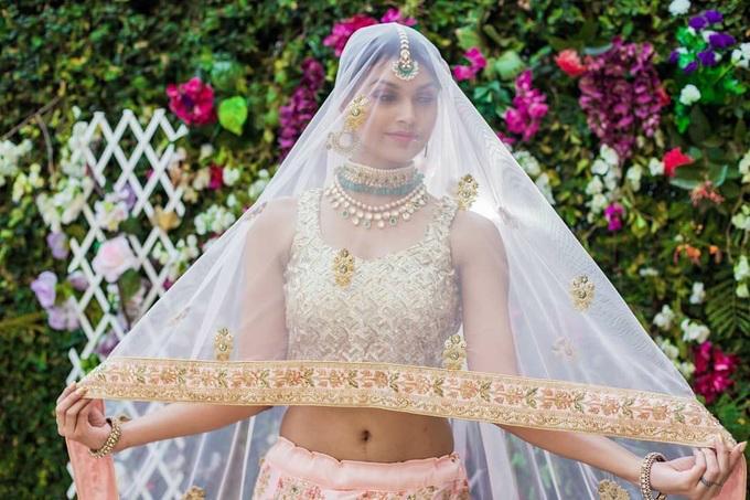 Chiêm ngưỡng nhan sắc quyến rũ của tân Hoa hậu Ấn Độ 2019-6
