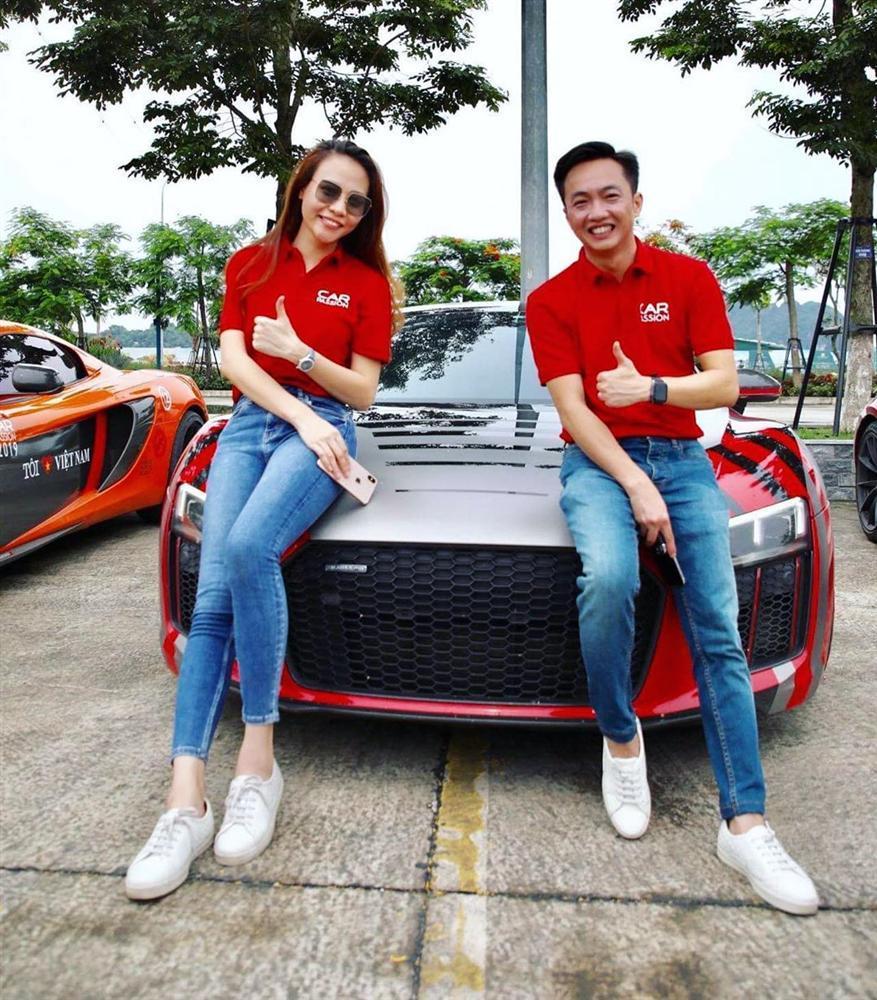 Chẳng kém Hà Hồ - Kim Lý, Đàm Thu Trang - Cường Đô La cũng tích cực diện đồ đôi, tinh tế chọn phụ kiện để không quá chênh lệch chiều cao-1