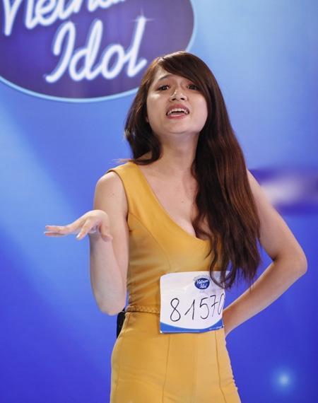 CHUYỆN GIỜ MỚI KỂ: Hóa ra Hương Giang có sự tính toán cực kỳ tinh vi đằng sau bộ jumpsuit bó màu vàng chóe tại Vietnam Idol 2012-2