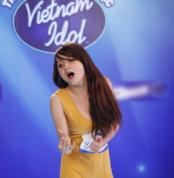 CHUYỆN GIỜ MỚI KỂ: Hóa ra Hương Giang có sự tính toán cực kỳ tinh vi đằng sau bộ jumpsuit bó màu vàng chóe tại Vietnam Idol 2012-3
