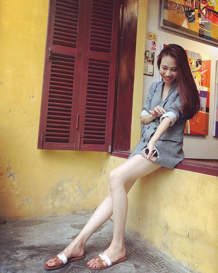 Chẳng kém Hà Hồ - Kim Lý, Đàm Thu Trang - Cường Đô La cũng tích cực diện đồ đôi, tinh tế chọn phụ kiện để không quá chênh lệch chiều cao-10