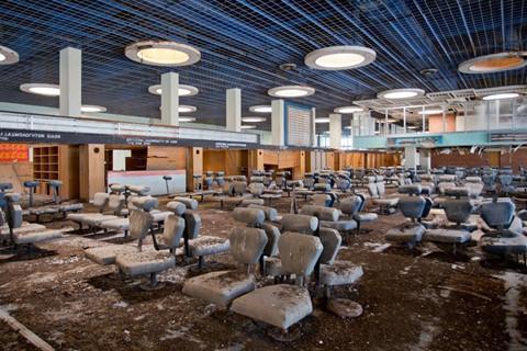8 sân bay bỏ hoang đáng sợ nhất thế giới-2