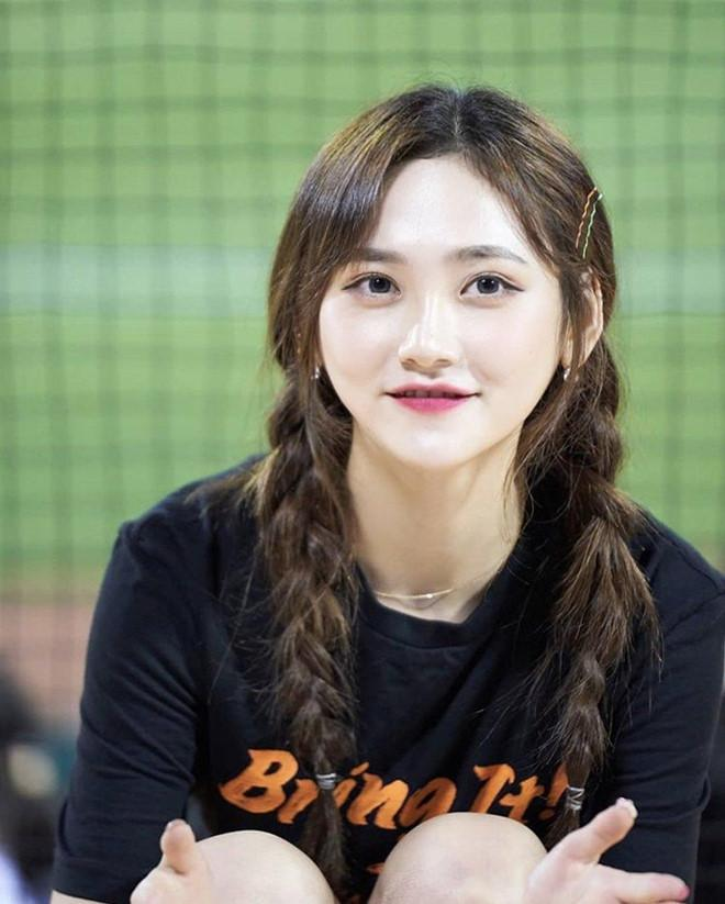 Dàn hoạt náo viên xinh đẹp không kém Idol của CLB bóng chày Hàn Quốc-3