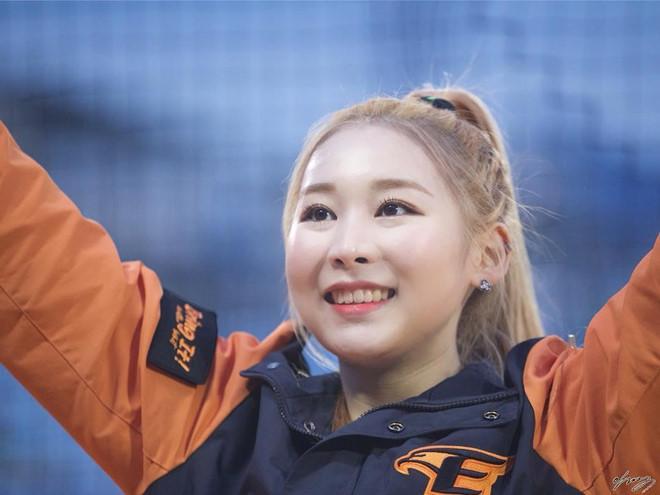 Dàn hoạt náo viên xinh đẹp không kém Idol của CLB bóng chày Hàn Quốc-7