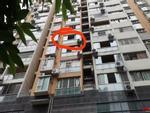 Hà Nội: Bé gái 6 tuổi rơi từ tầng 14 chung cư xuống mái tôn tầng 2 trong lúc mẹ vắng nhà-6