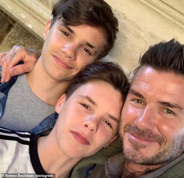 David Beckham vui vẻ du lịch cùng ba con, lơ con cả vì không nghe lời-3