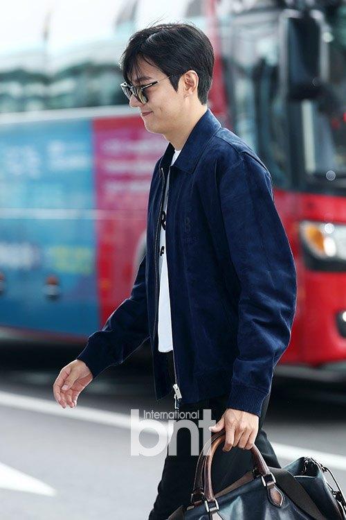 Lee Min Ho gây náo loạn sân bay vì đẹp quá mức cho phép-6