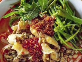 Mỳ ốc hến xuất hiện tại Hà Nội khiến 'hội thèm ăn' tức tốc thưởng thức nhưng phản ứng bất ngờ...