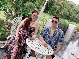 Chụp ảnh với con trai ai cũng ngỡ là hai chị em, bà mẹ U50 xinh đẹp này đang gây bão khắp mạng xã hội