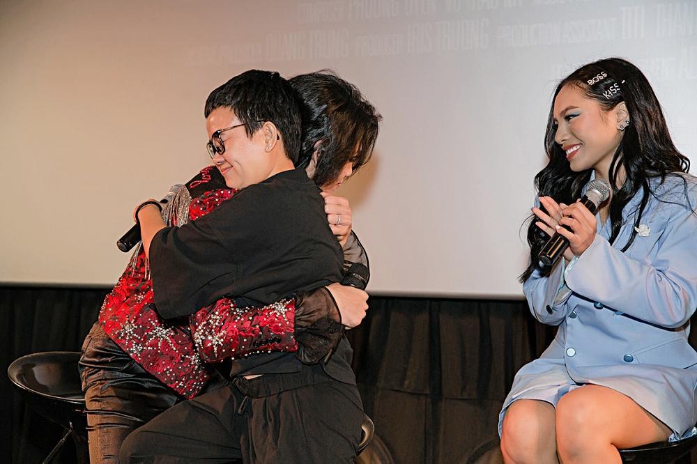 Phương Uyên khóc nức nở khi chứng kiến danh hài Quang Trung debut làm ca sĩ-5
