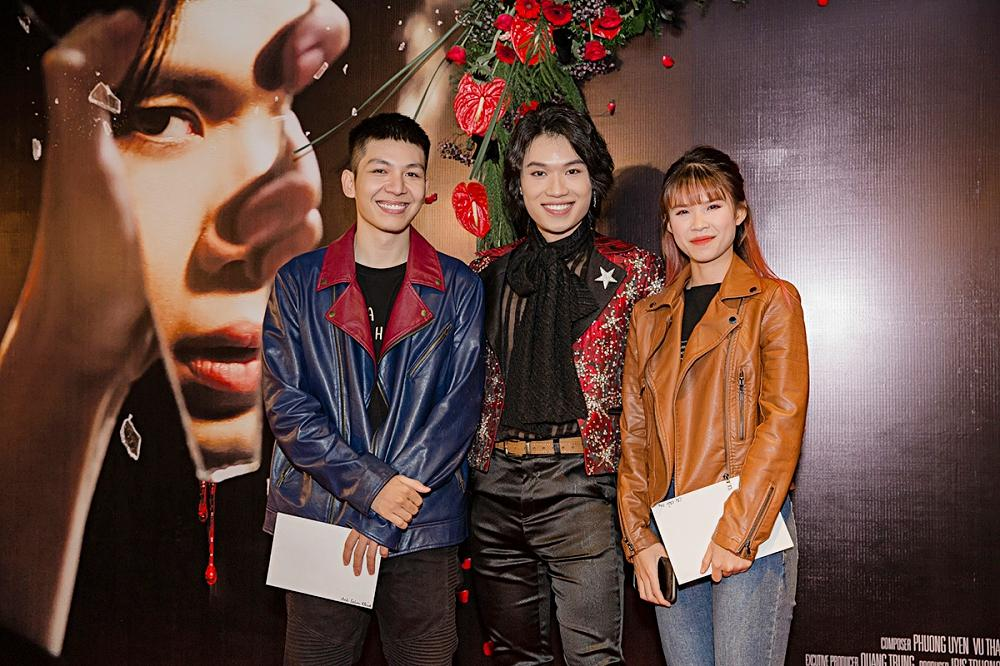 Phương Uyên khóc nức nở khi chứng kiến danh hài Quang Trung debut làm ca sĩ-7