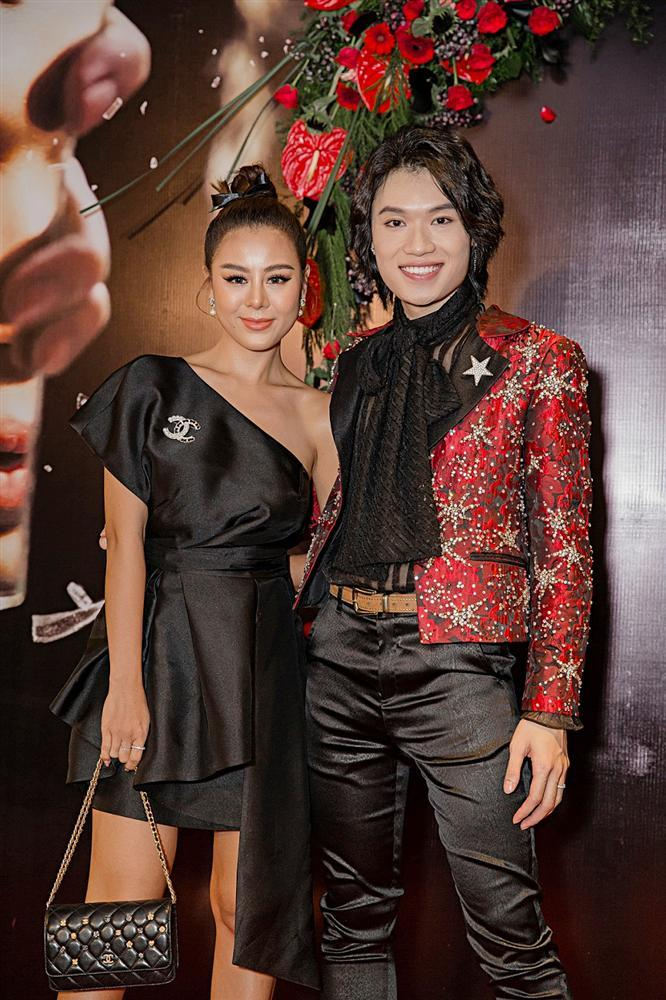 Phương Uyên khóc nức nở khi chứng kiến danh hài Quang Trung debut làm ca sĩ-11