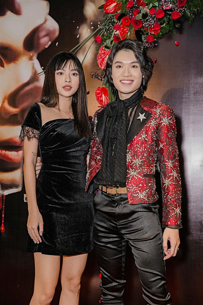 Phương Uyên khóc nức nở khi chứng kiến danh hài Quang Trung debut làm ca sĩ-13