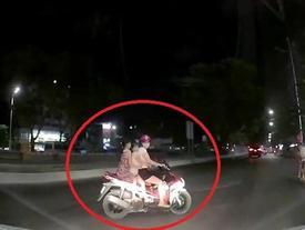 Clip: Đi ngược chiều gặp CSGT, người đàn ông bỏ chạy thục mạng và cái kết... suýt chết