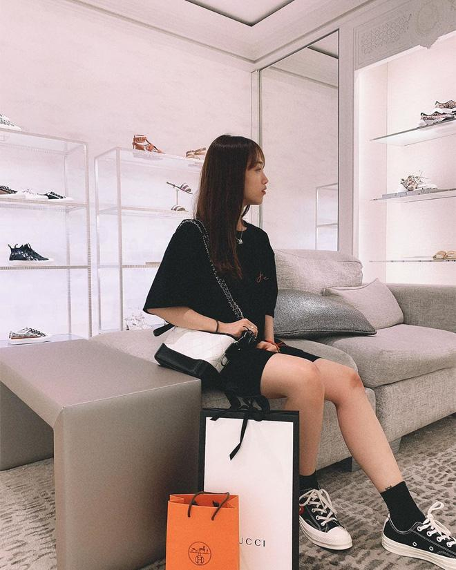 Cuộc sống sang chảnh chuẩn rich kids, hàng hiệu xe sang từ đầu đến chân tiểu thư 20 tuổi - ái nữ nhà đại gia Minh Nhựa-6