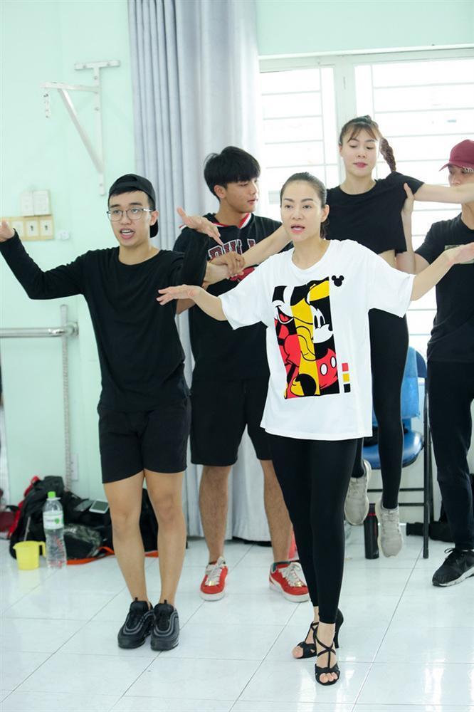 Hari Won đón báu vật Hàn Quốc Kim So Hyang đến Việt Nam-8