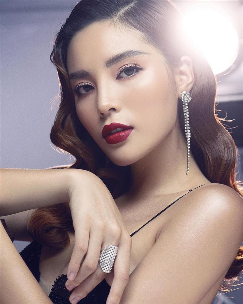Hari Won khóa môi ông xã Trấn Thành cuồng nhiệt trên phố-6