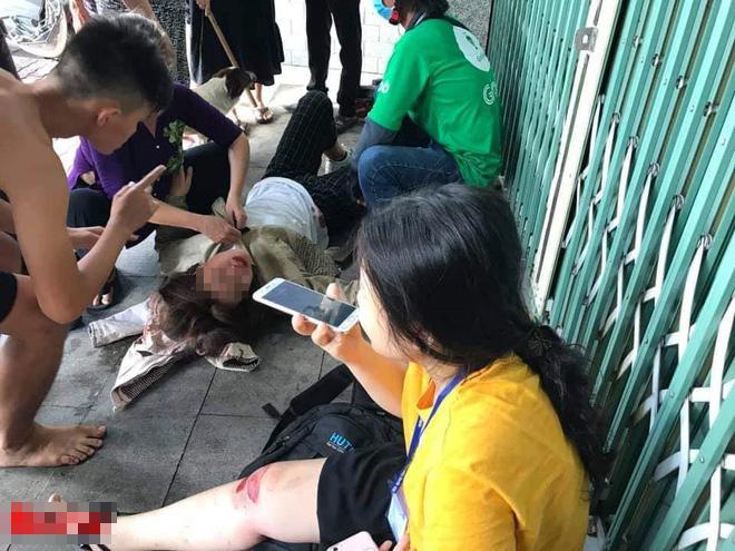 Chỉ vì một câu nói của thanh niên lạ, 2 nữ sinh ngã sấp mặt, nằm rên giữa đường-2